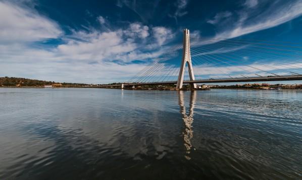 Autobahnbrücke über den Rio Arade bei Portimão
